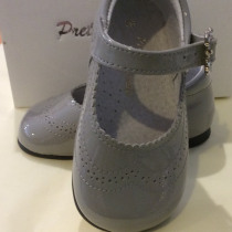Girls Grey patent shoes – Mary Janes
