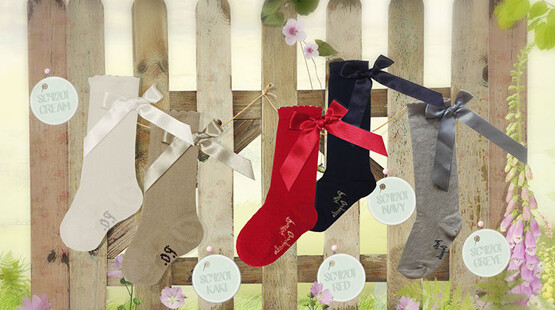 Pretty Originals Socks with Bows – Red