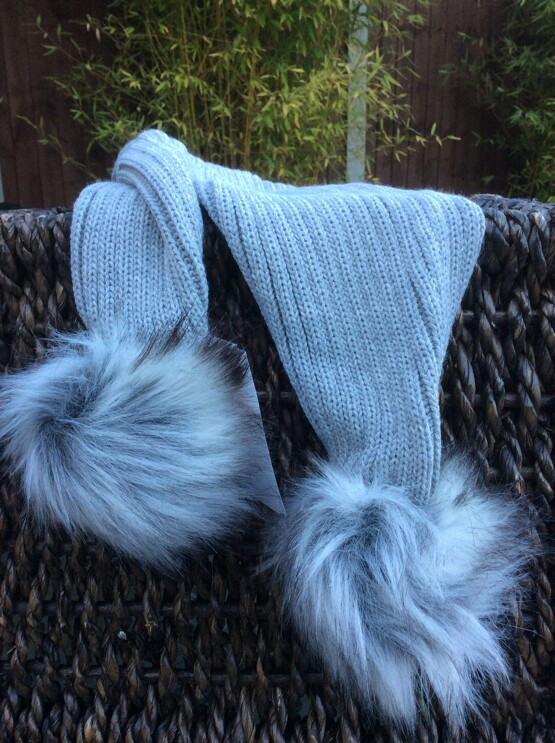 Pom Pom Faux Fur Scarf – Grey